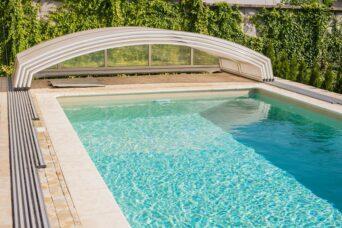басейн з накриттям